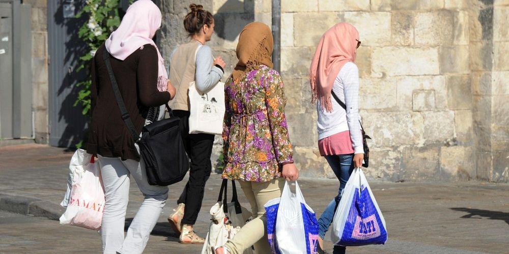 femmes voilées sorties scolaires.jpeg