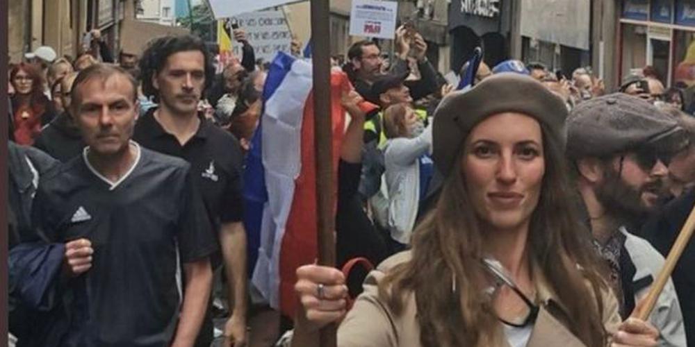 Pancarte antisémite à Metz: la jeune femme interpellée, indique Gérald Darmanin